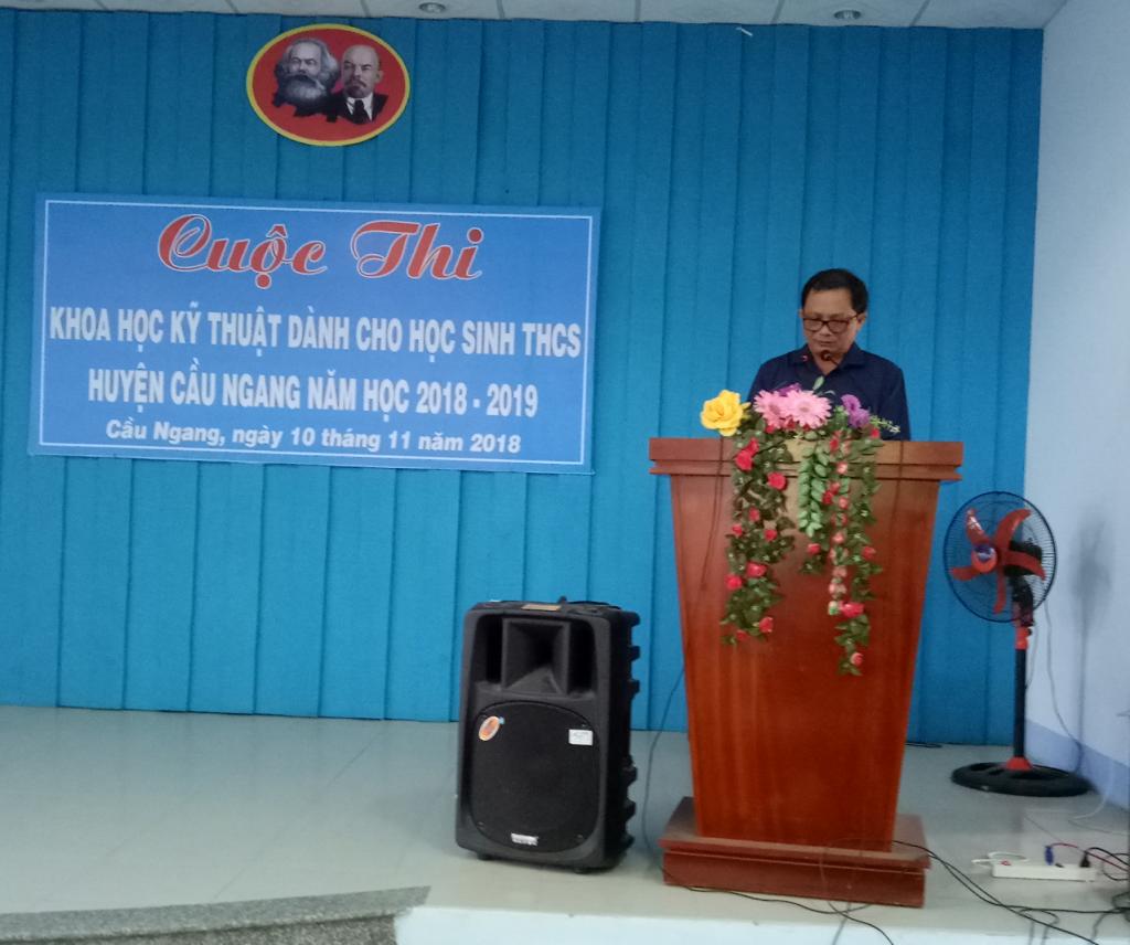 Thày Trình Chí Hiếu - Chuyên viên PGD - bộ phận THCS